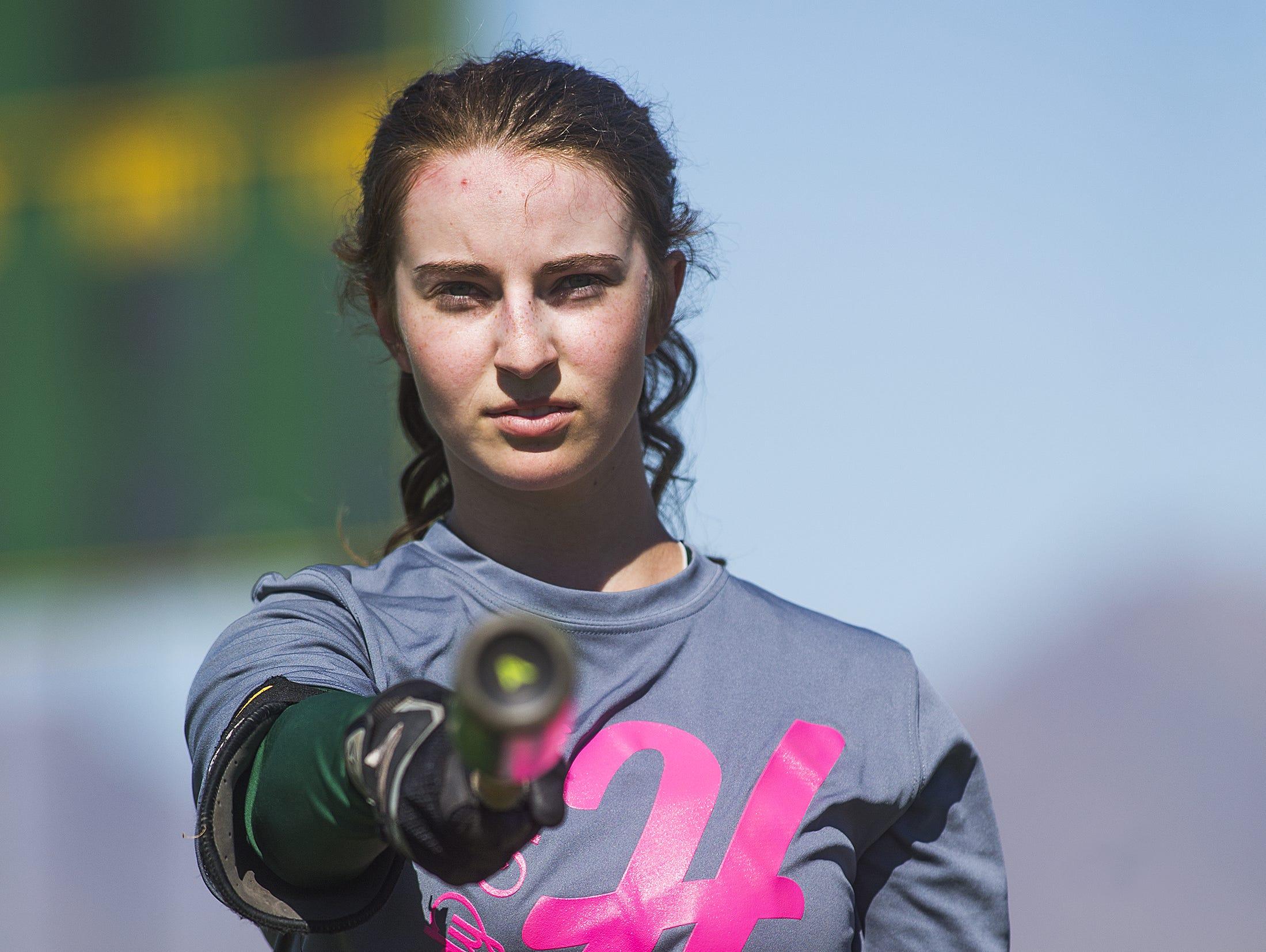 Tamara Statman poses at practice at Horizon High School in Phoenix, Wednesday, April 29, 2015.
