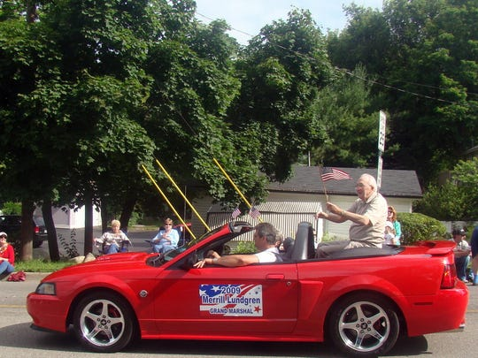 Merrill Lundren, who died Sunday at age 96, is pictured in a 2009 photo when he served as grand marshal of the Brighton 4th of July parage.
