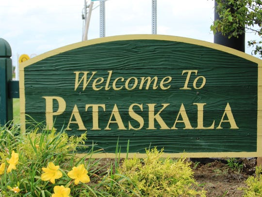 Pataskala at-large Councilman Bryan Lenzo has submitted his resignation, effective Dec. 31.