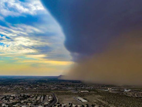 A dust storm, or haboob begins to descend over Las