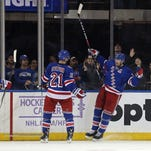 Nash's late goal lifts Rangers to win over Oilers