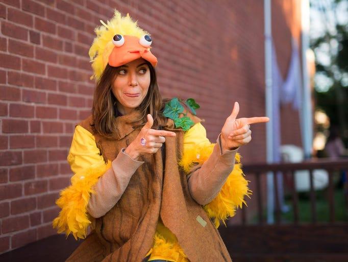 Actress and Wilmington native Aubrey Plaza hams it