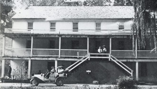 A 1910 photograph of the Stribling Springs hotel, which was demolished in 1940.