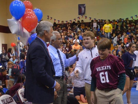 636477656117398624-Dr.-A-at-Texas-Strong-pep-rally.jpg