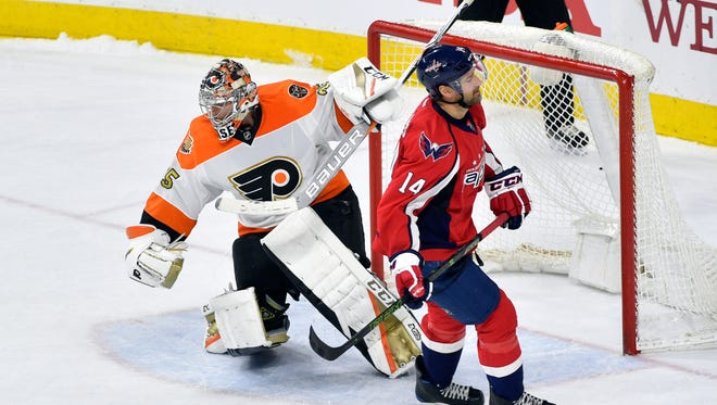 Flyers goalie Steve Mason made 36 saves to help his team to a 3-2 shootout win.