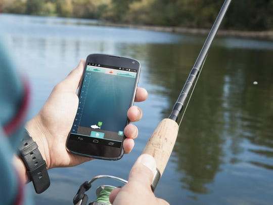 The iBobber fish finder tells anglers where the big ones are, while mapping the waterbed floor and warning of obstacles and gauging depth.