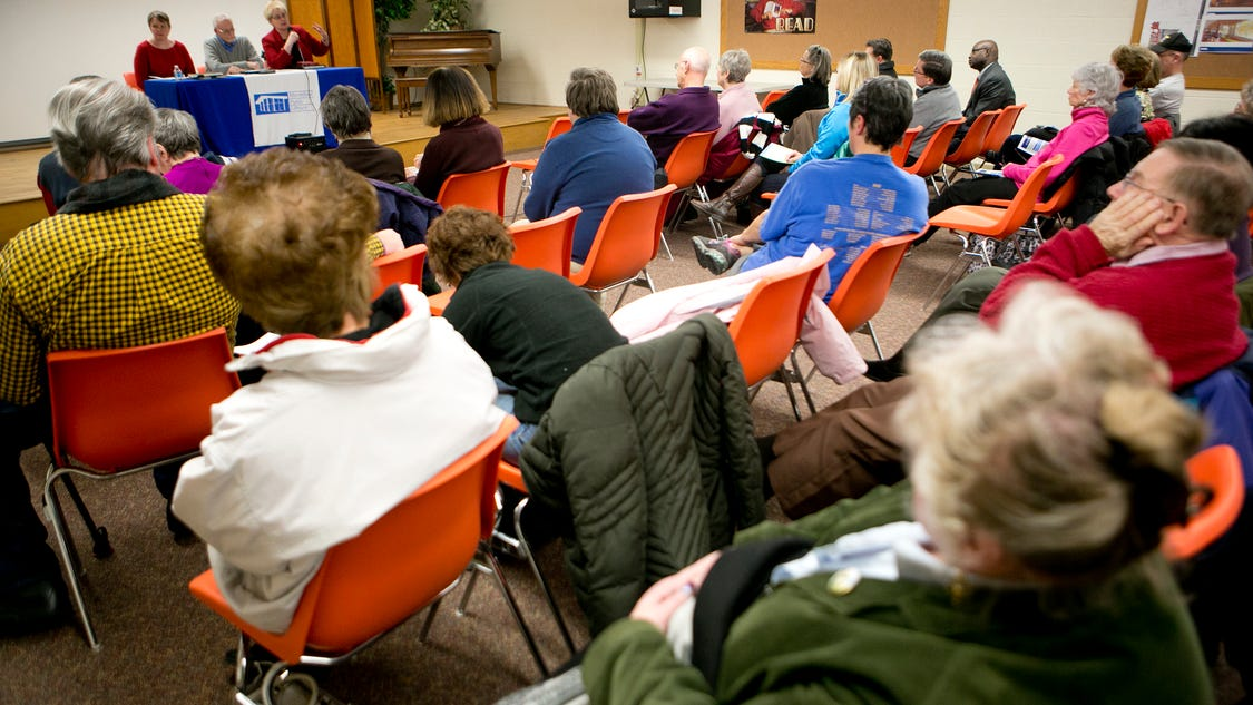 school vouchers debate essay School vouchers essay school vouchers are government-funded tuition certificates that parents can use to fund their children's attendance at private educational institutions considerable debate surrounds the use of public funds for education in private institutions.