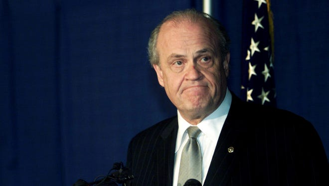 """Sen. Fred Thompson announces in a press conference March 8, 2002 that he will not seek another term in the Senate. Thompson called his stint as Senator """"the greatest honor of my professional life"""" but added that """"I just don't have the heart"""" for another campaign."""