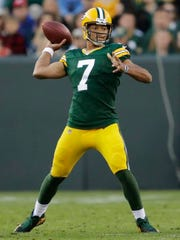 Green Bay Packers' Brett Hundley throws against the