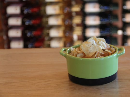 Ankeny Vineyard serves complimentary housemade potato chips with its wine tasting flights.