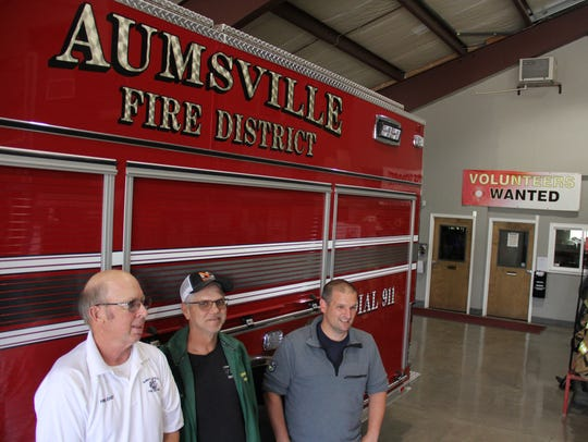 Aumsville fire chief, Roy Hari and volunteers Odas