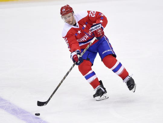 Washington Capitals defenseman Kevin Shattenkirk (22)