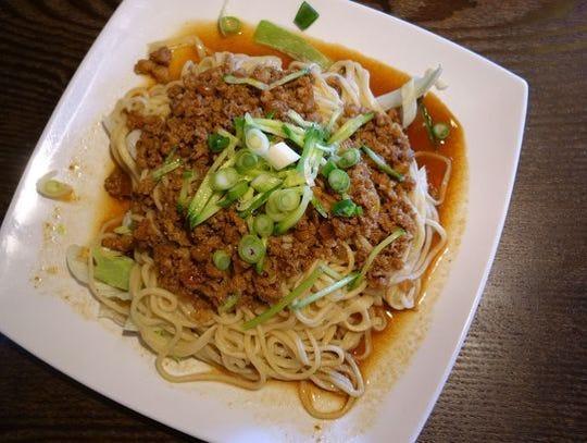 Fideos con salsa de carne de cerdo picada en Nan Zhou