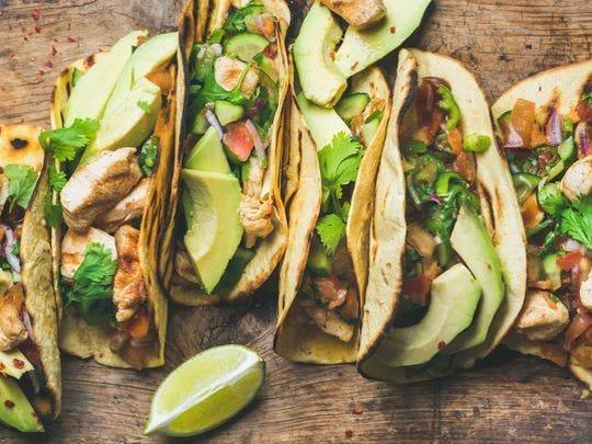 Pruebe una amplia variedad de deliciosos tacos y vote