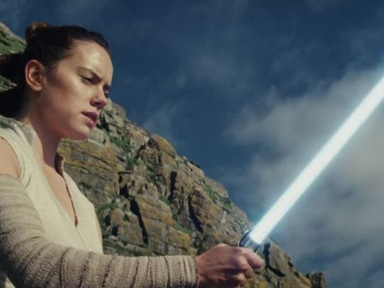 "Daisy Ridley como Rey en ""Star Wars: The Last Jedi""."