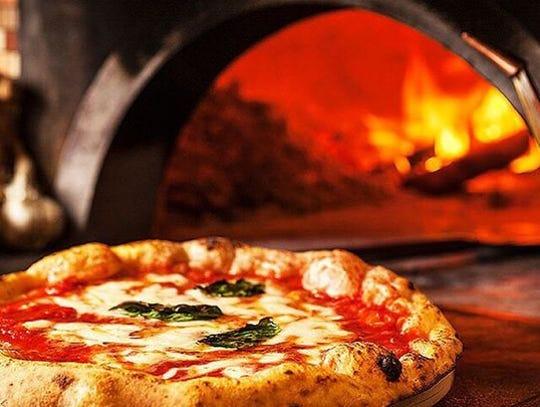 MidiCi Neapolitan Pizza cocina en hornos italianos