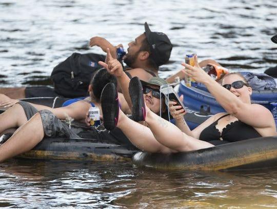 La apertura de Salt River Tubing demostró ser una excelente