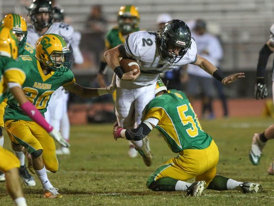 The Coachella Valley Arabs make a tackle on defense