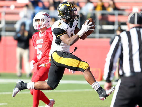 Piscataway's Elijah Barnwell scores vs. Manalapan in Central Group V sectional football championship at Rutgers University's High Point Solutions Stadium. Dec. 3, 2016, Piscataway, NJ.