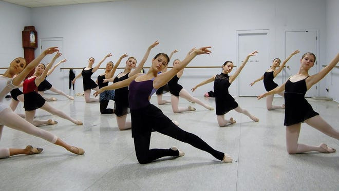 Makaroff Youth Ballet class practices for its upcoming spring concert.