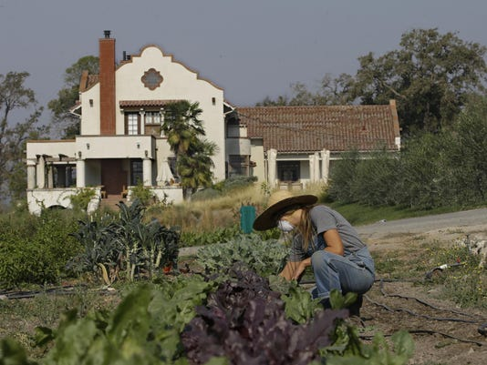 California Wildfires Rich and Poor (2)