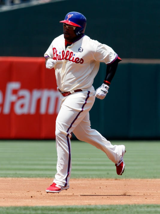 Braves Phillies Baseb_Schu(2).jpg