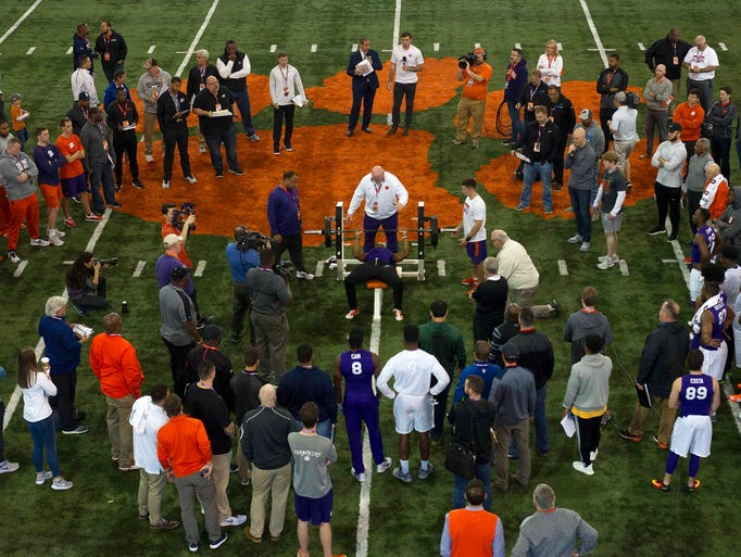 Clemson Tigers players participate during Clemson's