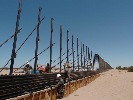 635915002107151290-border-wall.jpg