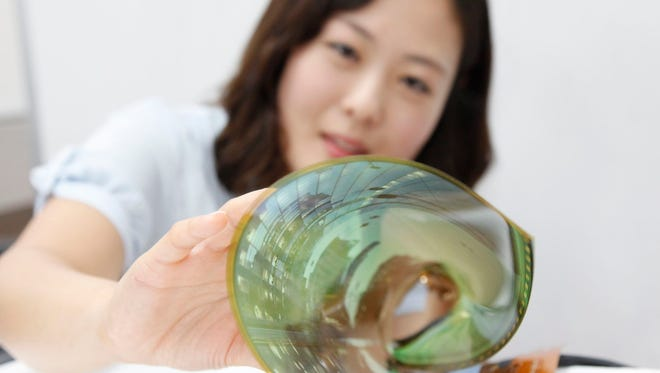 LG's 18-inch flexible OLED display.