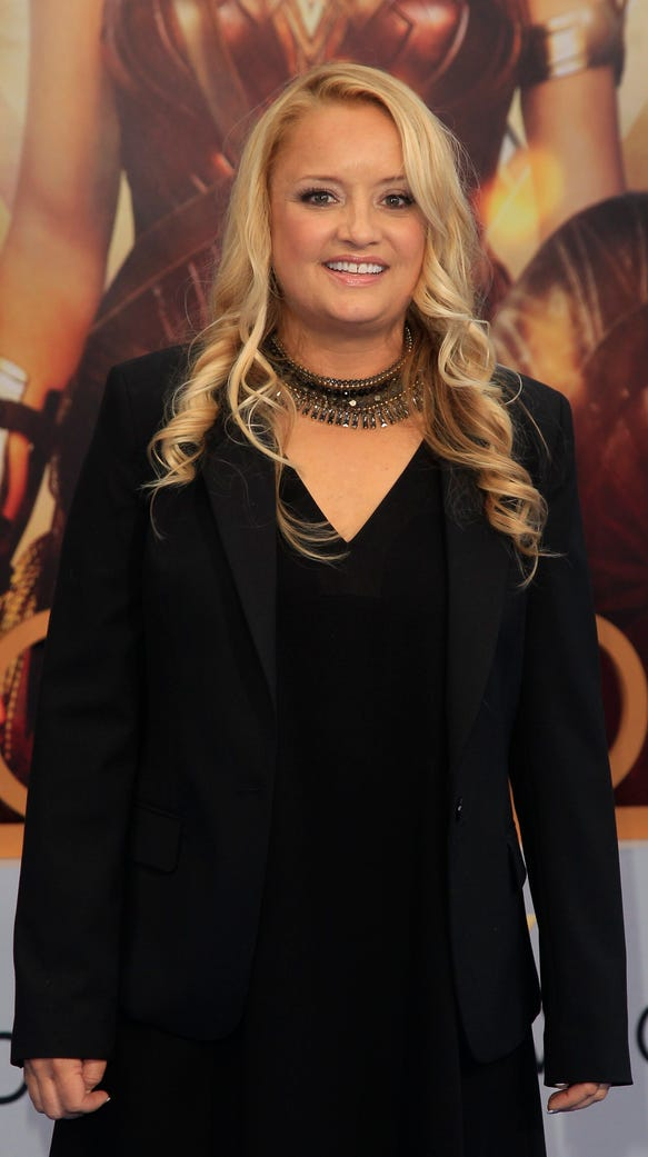 Lucy Davis takes on the role of Etta Candy in the film.