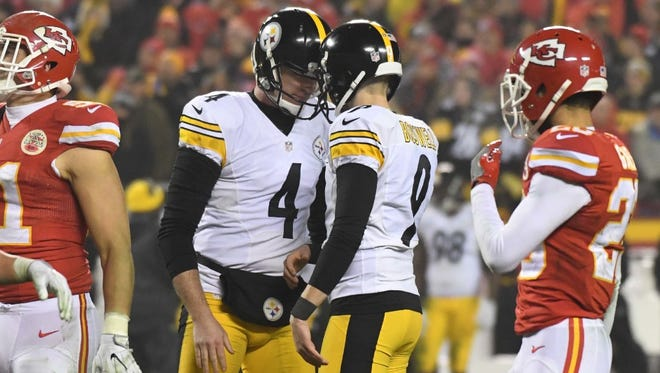 Jordan Berry (4) and Chris Boswell (9) of Steelers.