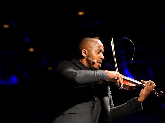 Violinist Damien Escobar