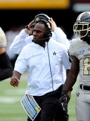 Vanderbilt coach Derek Mason directs the nation's 15th-ranked