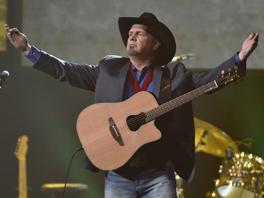 Garth Brooks performs at the 2016 Musicians Hall of