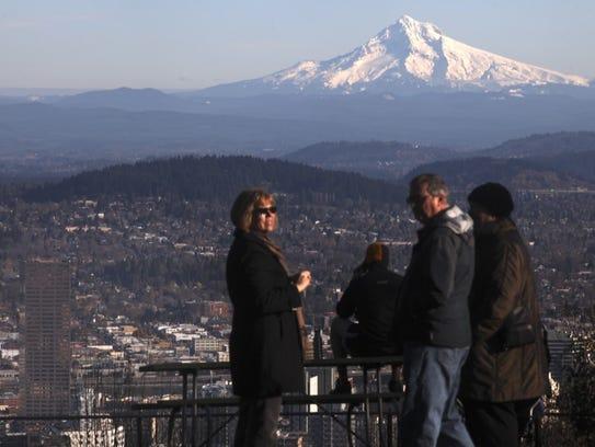 Statesman Journal file Visitors enjoy an iconic view