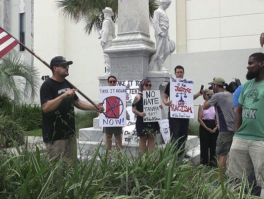 AP CONFEDERATE MONUMENT FLORIDA A USA FL