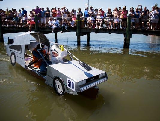 NDN 0506 Great Dock Canoe Race lede
