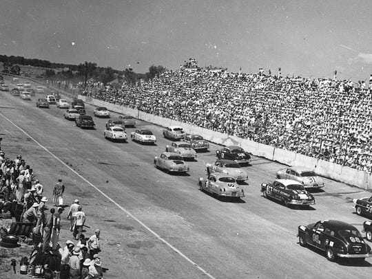 The first running of the Southern 500 at Darlington