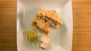 Delmarva Eats: Ham, Pear and Brie Panini