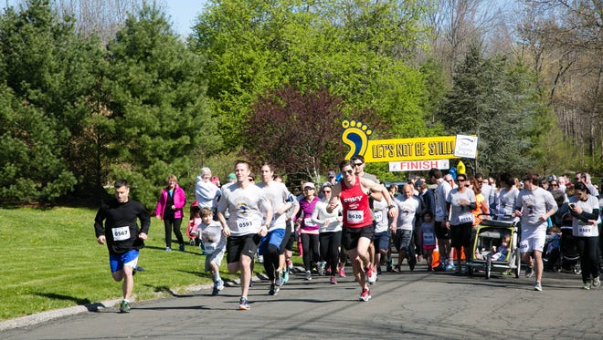 The start of 2016's Let's Not Be Still! 5K run/walk in South Salem.
