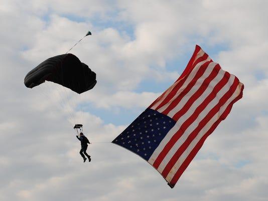 635833618192832780-IMG-US-Flag