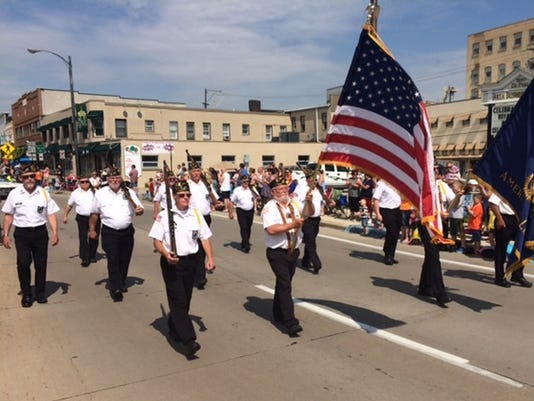 GPG De Pere Memorial Day parade 2014 photo 1.jpg