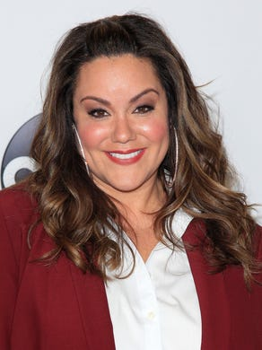 """American Housewife"" star Katy Mixon has a daughter"