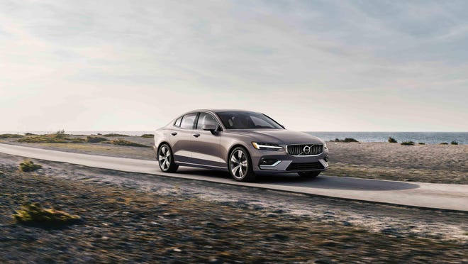 The 2020 Volvo S60 T6 looks and feels like a luxury midsize four-door.
