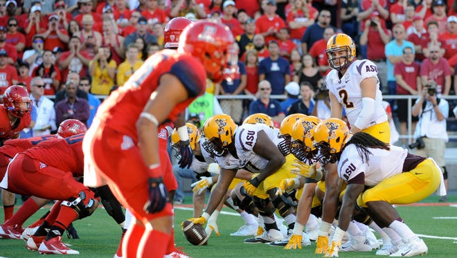 USA TODAY Sports' Paul Myerberg breaks down each Pac-12 team's range of possibility in 2015.