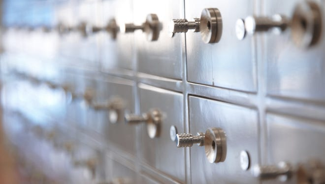 State auctioning contents from unclaimed safe deposit boxes