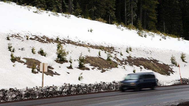 Highway 58 over Willamette Pass could see 1 to 3 inches of snow this weekend.