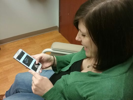 Moms at Moreland OB-GYN can take advantage of technology