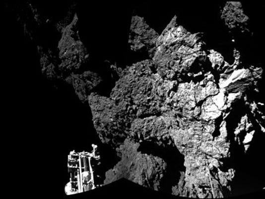 635515520425027564-Comet-Landing-McDa