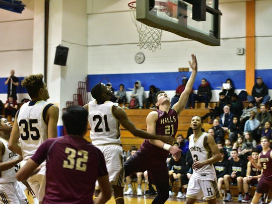 Joey Belli (21) and Wayne Hills are the No. 3 seed